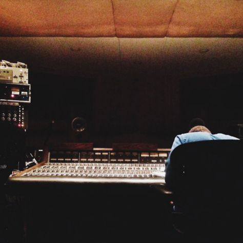 frank-ocean-is-in-the-studio-again