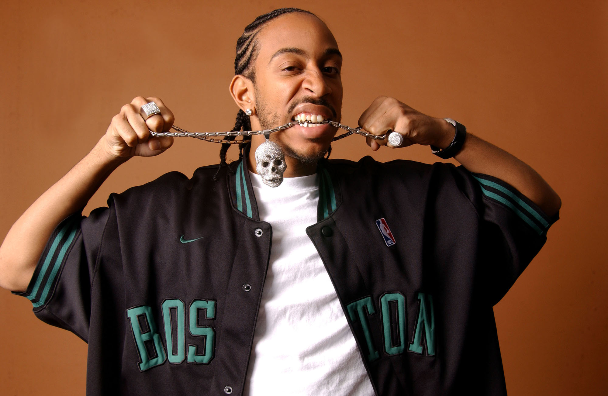 Ludacris drops a brand new video for ...